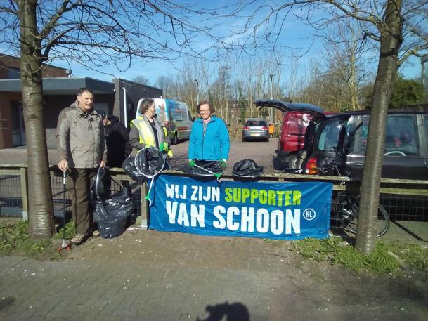 De Tuinen Van West Amsterdam.Zwerfvuilverzameldag De Roerdomp In De Tuinen Van West
